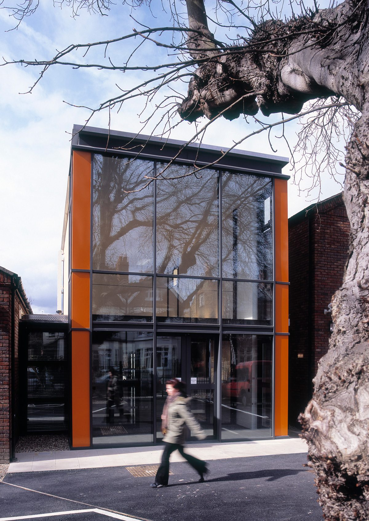 Wimbledon College of Art - Foyer - Exterior by day