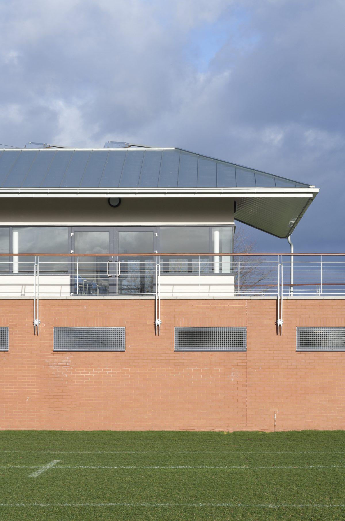 King's College, Wimbledon - Sports Pavillon - Exterior