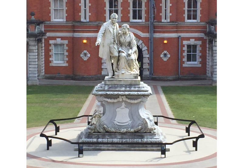Royal Holloway College_Founders Statue