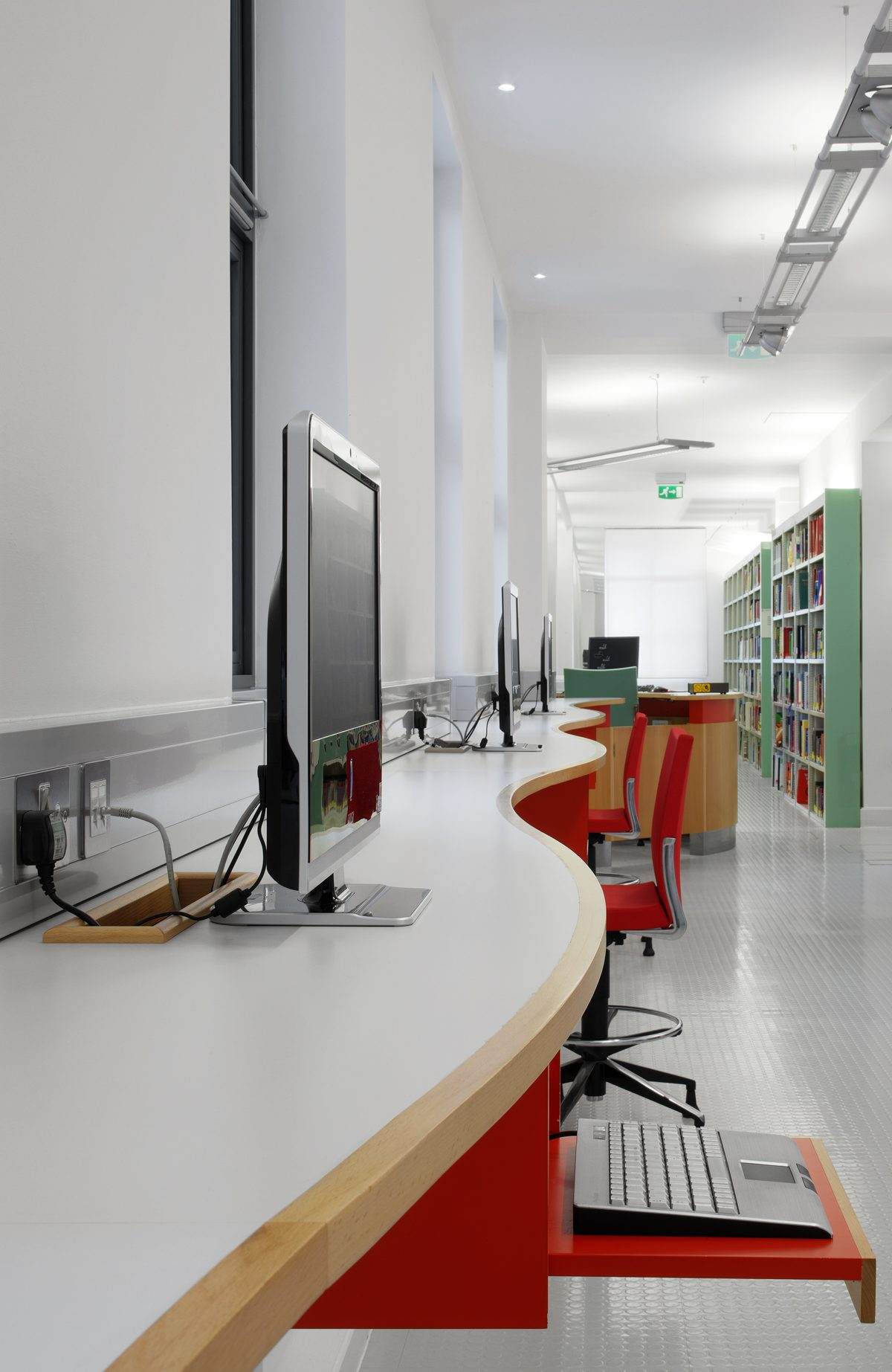 UCL School of Pharmacy - Workstations