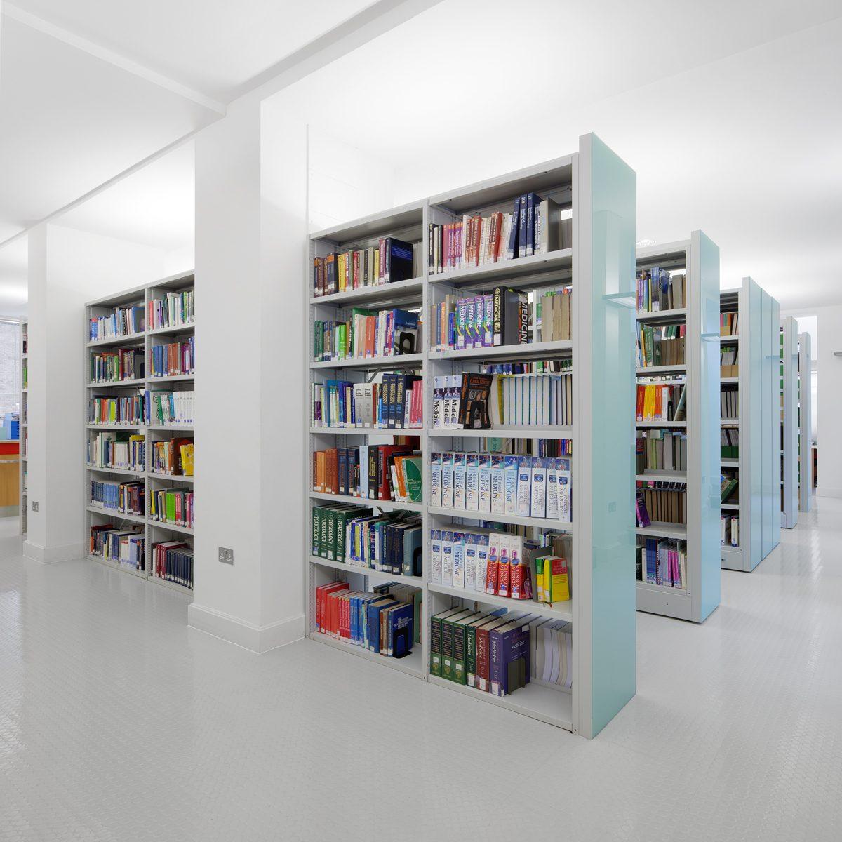 UCL School of Pharmacy - Bookshelves